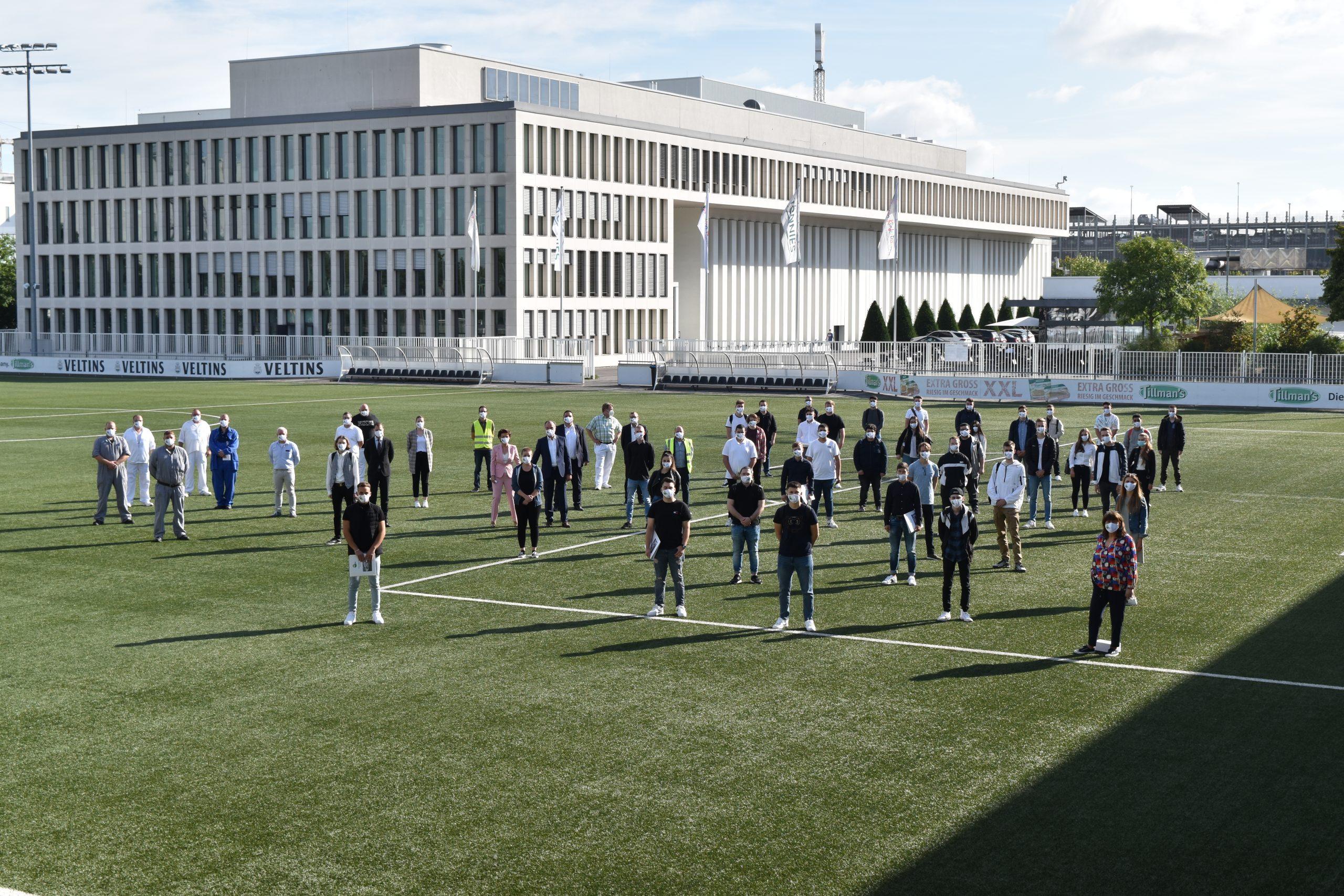 Team Tönnies begrüßt 40 neue Azubis in Rheda-Wiedenbrück